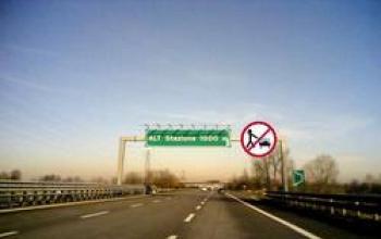 [32] Gotico Padano. Nonna Ghost fa la spesa in autostrada
