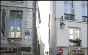 Un'educazione parigina