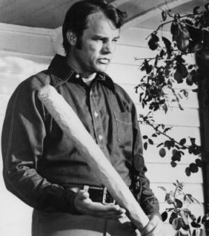 Joe Don Baker nei panni dello sceriffo Buford Pusser