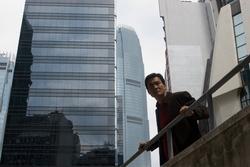 Tony Leung Kar-fai in una scena del film