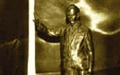 Una statua per il Commissario Montalbano